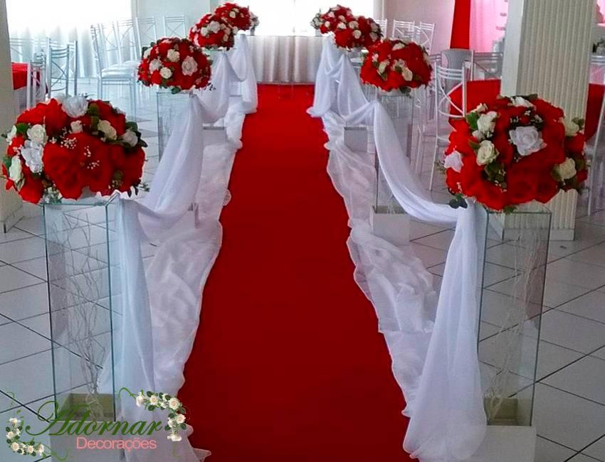 aluguel decoração corredor de cerimônia vermelho e branco