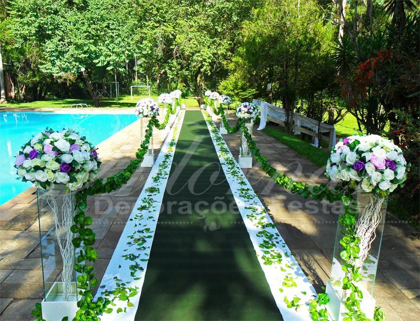 Aluguel Decoração Corredor Cerimonial Lilás Roxo e Branco